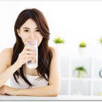 炭水化物を抜くダイエットは常温の水を飲むことも重要!