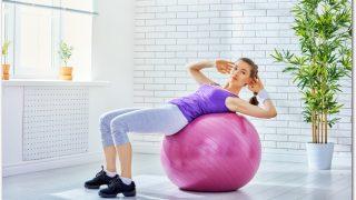 バランスボールに乗るだけのダイエット方法って?どの部位に効く?